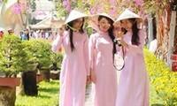 "Wettbewerb ""Charmante vietnamesische Tracht Ao Dai in Laos"""