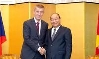 Premierminister führt bilaterale Treffen am Rande der Krönung des japanischen Kaisers