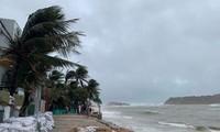Taifun Nakri ist zu einem tropischen Tiefdruckgebiet geschwächt