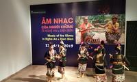 Musik der Volksgruppe Khomu in Hanoi vorgestellt