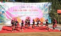 Festival für Kulturaustausch der Volksgruppe Mong in Dien Bien