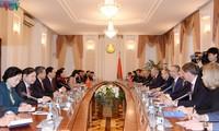 Parlamentspräsidentin Nguyen Thi Kim Ngan trifft weißrussischen Premierminister