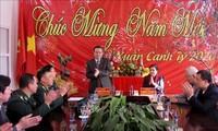Arbeitsgruppe des Parlaments beglückwünscht Volksgruppen in der Provinz Lai Chau zum Tetfest