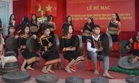 Dak Lak leitet die Liebe zur Gong-Kultur an Studenten weiter
