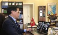 Online-Konferenz zur Covid-19-Bekämpfung und Unterstützung vietnamesischer Gemeinschaft in Russland und Deutschland