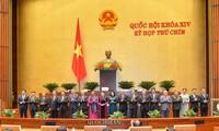 Präsentation der nationalen Wahlkommission mit 21 Mitgliedern
