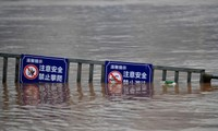 Premierminister Nguyen Xuan Phuc fragt durch Telegramm nach Fluten in China