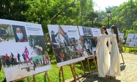 "Fotoausstellung ""Vietnam kämpft gegen Covid-19-Epidemie"""