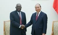 Premierminister Nguyen Xuan Phuc empfängt Botschafter Nigerias in Vietnam