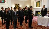 Kondolenzbesuch für den ehemaligen KPV-Generalsekretär Le Kha Phieu in den USA