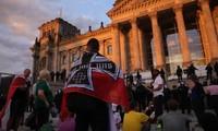 Deutsche Bundesregierung verurteilt extremistische Handlungen von Demonstranten
