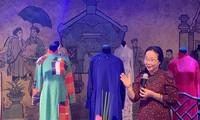 Ao Dai-Kleidung von Lehrern und Kulturaktivisten gesammelt