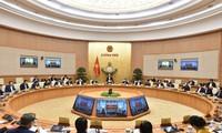 Premierminister Nguyen Xuan Phuc leitet Regierungssitzung für November