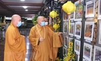Fotoausstellung über buddhistische Aktivitäten zum 40. Gründungstag des vietnamesischen buddhistischen Verbands