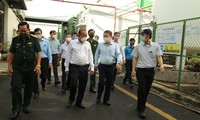 Vize-Premierminister Truong Hoa Binh überprüft die Epidemieprävention und –bekämpfung in Ho-Chi-Minh-Stadt