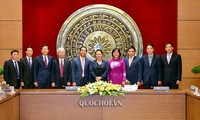 응우옌 티 낌 응언 국회의장, 베트남의 해외상주 외교대표기관장들을 접견했다