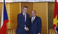 일왕 즉위식 이후, 베트남 총리 각국과 양자회담 진행