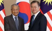 """한국과 말레이시아, """"전략적 동반자""""로 관계 격상"""