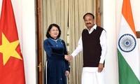 당 티 응옥 틴 부주석, 인도 부통령과 회담