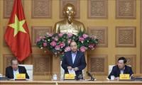 응우옌  쑤언  푹 총리,  코로나 19 방역 국가지도위원회 회의 주재