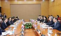 응우옌 반 빈 (Nguyễn Văn Bình) 중앙경제위원장, 미국–아세안 경영협회 대표단 접견