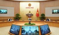 코로나19 에 대처하기 위하여 기업들과 경제 재가동에 대한  총리회의 개최