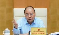 응우옌 쑤언 푹 (Nguyễn Xuân Phúc) 총리, 물가조정 지도위원회 회의 주재