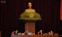 응우옌 푸 쫑 (Nguyễn Phú Trọng) 당서기장 - 국가주석, 전국 간부회의 주재