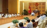 응우옌 쑤언 푹 국무총리, 하반기 6개월 경제에 대하여  4가지 요구사항을 제시