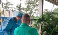 해외 언론, 베트남의 영국인 파일럿 치료 사실 보도