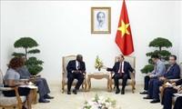 응우옌 쑤언 푹 총리, 주 베트남 나이지리아 대사 접견