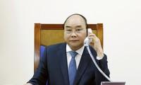 응우옌 쑤언 푹 총리, 아베 신조 일본 총리와 전화통화