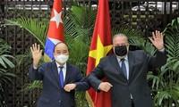 쿠바 공식 방문 중인 응우옌 쑤언 푹 국가주석