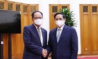 팜 민 찐 국무 총리,  박노완 한국 대사 접견