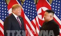 """កិច្ចប្រជុំកំពូលអាមេរិក - កូរ៉េខាងជើងលើកទីពីរ: លោកប្រធានាធិបតី D.Trump បានបញ្ជាក់ពីទំនាក់ទំនង """"ល្អប្រសើរ"""" ជាមួយថ្នាក់ដឹកនាំ Kim Jong-un"""