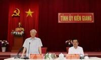 អគ្គលេខាបក្ស ប្រធានរដ្ឋវៀតណាម លោក Nguyen Phu Trong អញ្ជើញជួបធ្វើការជាមួយថ្នាក់ដឹកនាំ ខេត្ត Kien Giang