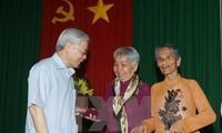 អគ្គលេខាបក្សវៀតណាមលោក Nguyen Phu Trong ជួបធ្វើការជាមួយថ្នាក់ដឹកនាំខេត្ត Soc Trang