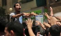 តុលាការអេហ្ស៊ីបផ្តន្ទាទោសដាក់ពន្ធនាគារមនុស្សជិត៥០នាក់ដែលគាំទ្រអតីតប្រធានាធិបតី Morsi