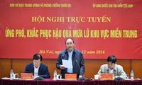 នាយករដ្ឋមន្ត្រី លោក Nguyen Xuan Phuc អញ្ជើញជាអធិបតីសន្និសីទ Online ជំនះពុះពារផលវិបាកដោយទឹកជំនន់