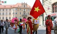 越南文化在捷克少数民族文化节上令人印象深刻
