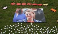 英国议员参加女议员乔•考克斯的悼念仪式