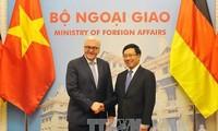 越南和德国在国际组织和多边论坛上互相支持