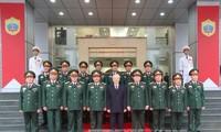 越共中央总书记阮富仲视察国防部第二总局