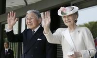 日本天皇和皇后访越是历史性事件