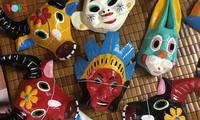 河内最后一户做纸浆面具的家庭
