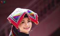 """泰族同胞生活中的头巾--""""标"""""""