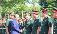 阮春福总理探望第9军区并拜年