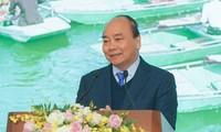 越南政府总理阮春福要求不得在防控新冠肺炎病毒方面麻痹大意