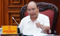 阮春福总理请经济专家就引进投资献计献策