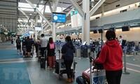 将在加拿大和韩国的300多名越南公民接回国